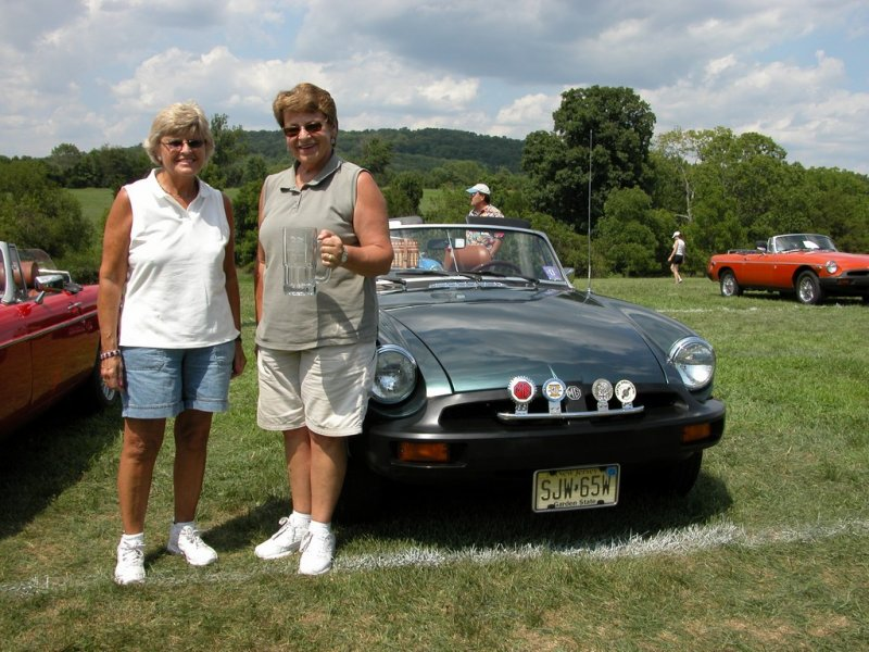 Carolyn Baronski takes First in Class with her 1975 MGB